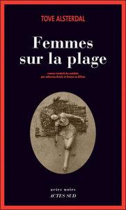 Femmes sur la plage de Tove Alsterdal (Actes sud)